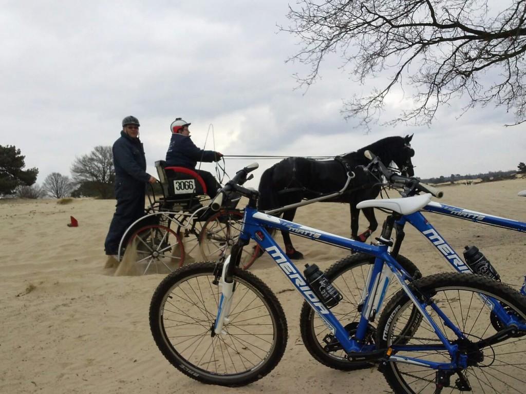 Mountainbiken bij het Aekingerzand