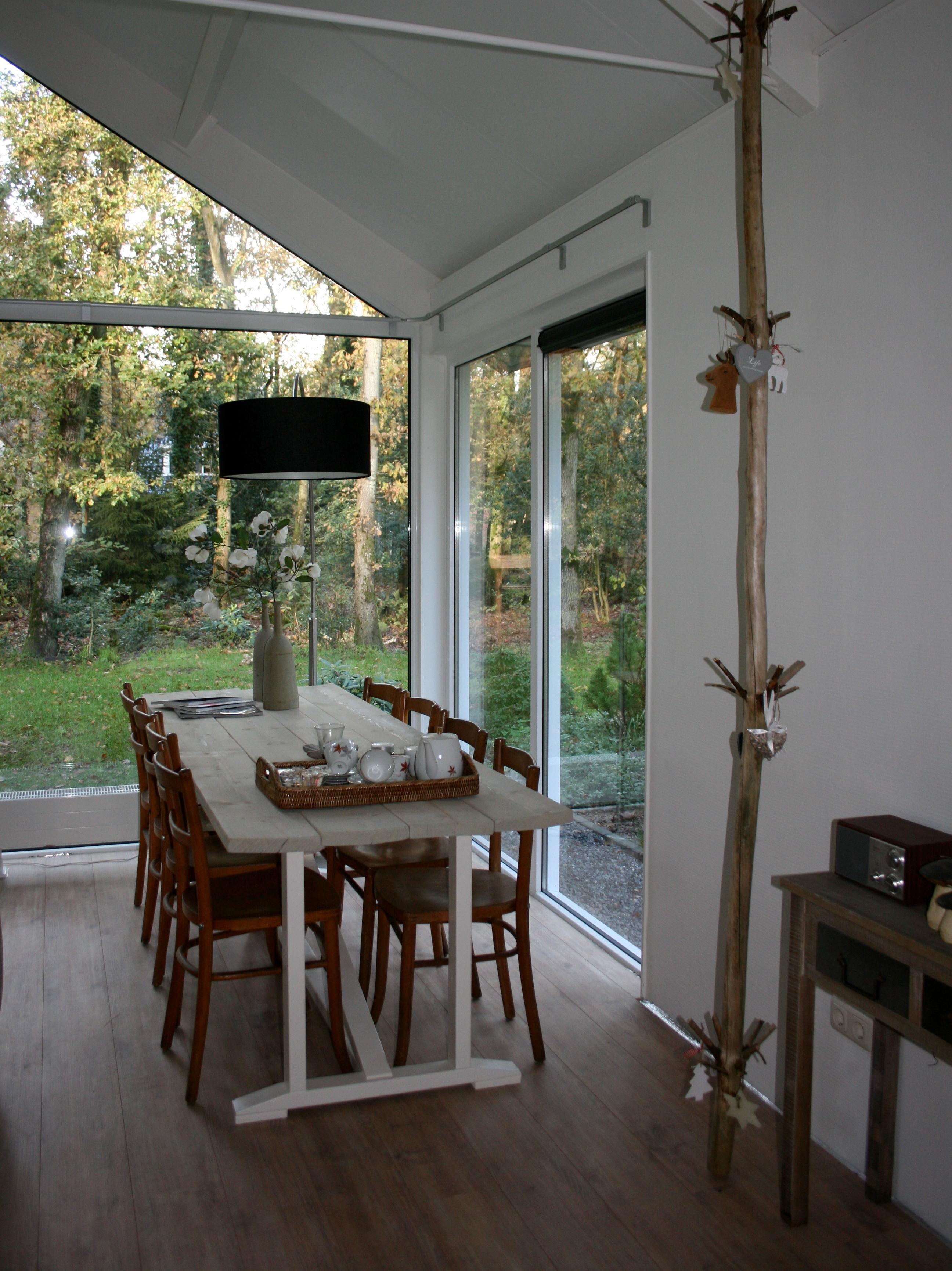 Eettafel voor 8 personen - Boshuis Bos en Wei